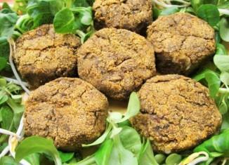 Stuzzicanti polpette vegan con lenticchie,spinaci e germogli di soia per uno sfizioso aperitivo o un nutriente secondo piatto.